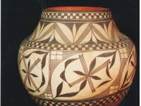 H753 Acoma Pueblo water jar or olla, NM